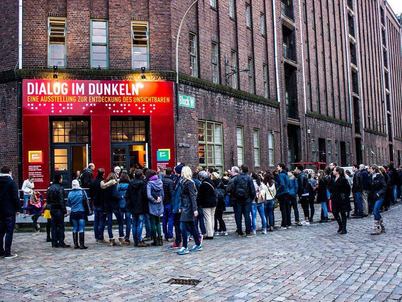 Dialoghaus Hamburg Besucherschlange