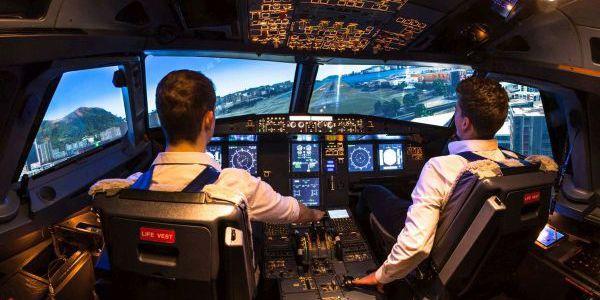 Werksführungen Luft- und Raumfahrt - Cockpit Flugsimulator in Bremen